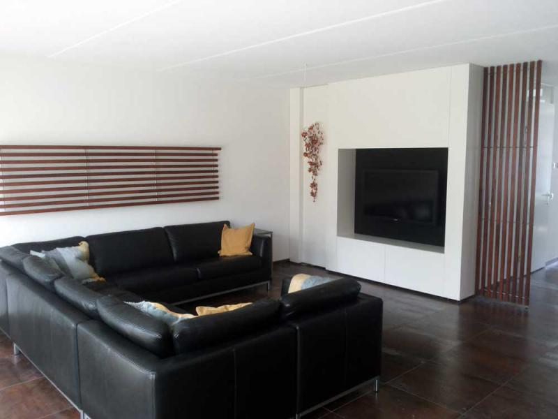 Room Divider Kast : Roomdivider met tv finest half wall with column dividers with